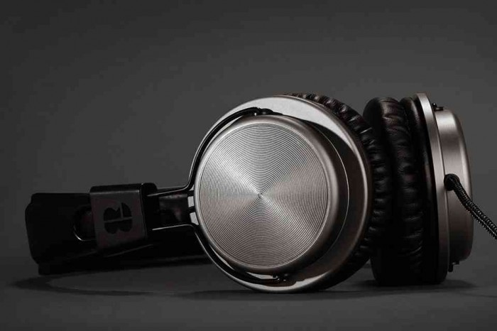 Bloc-and-roc-galvanize-headphones-01-700