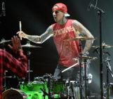 Travis Barker: Tom DeLonge Should 'Man Up & Quit' Blink-182