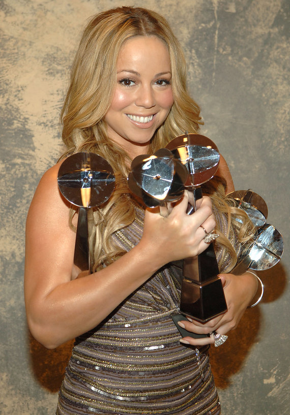 00-holding-we-belong-together-mariah-car