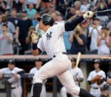Alex Rodriguez hits 3,000th as Yankee Stadium crowd erupts