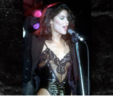 Vanity, lead singer of the '80s girl group Vanity 6, has died after years of battling kidney failure and, more recently, an abdominal illness.